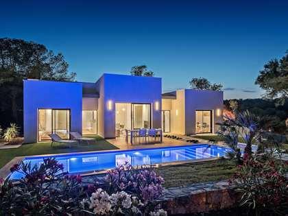 Huis / Villa van 130m² te koop met 62m² terras in Alicante ciudad