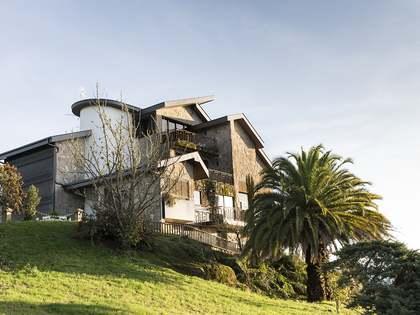 Maison / Villa de 1,226m² a vendre à Ourense, Galicia