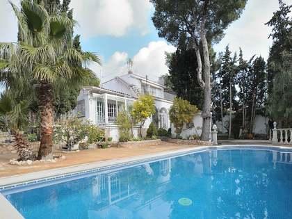 Huis / Villa van 255m² te koop in Castelldefels, Barcelona