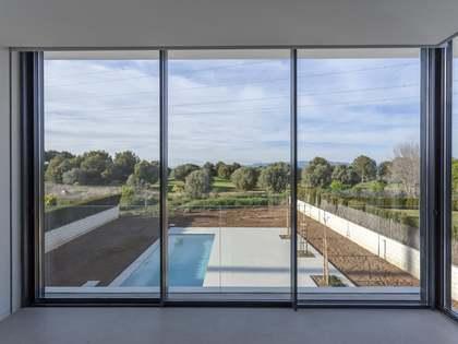 Дом / Вилла 510m², 75m² террасa на продажу в Bétera