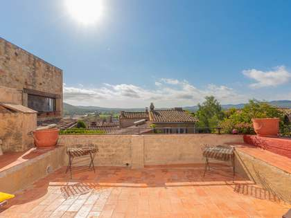 196m² Country house with 70m² terrace for sale in Baix Empordà