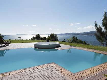 752m² Haus / Villa zum Verkauf in Pontevedra, Galicia