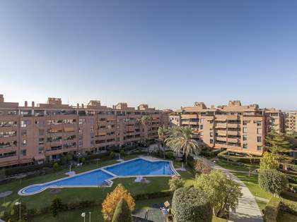 164m² Penthouse with 140m² terrace for sale in Palacio de Congresos
