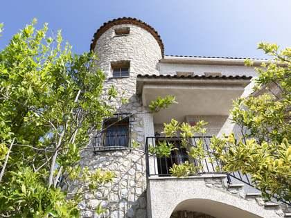 Huis / Villa van 207m² te koop met 1,000m² Tuin in Els Cards