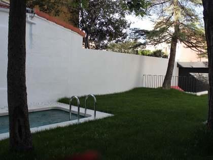 Huis / Villa van 285m² te huur in Ciudad Jardín, Madrid