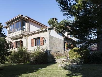 Casa / Villa di 906m² in vendita a Pontevedra, Galicia