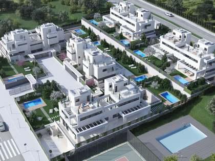 Huis / Villa van 402m² te koop met 323m² Tuin in Aravaca