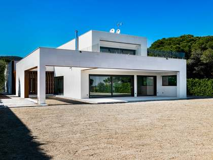 480m² House / Villa for sale in Sant Andreu de Llavaneres