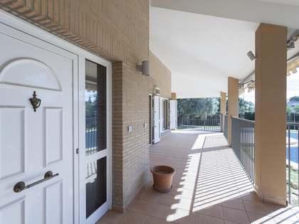 huis / villa van 657m² te koop met 1,780m² Tuin in Godella / Rocafort