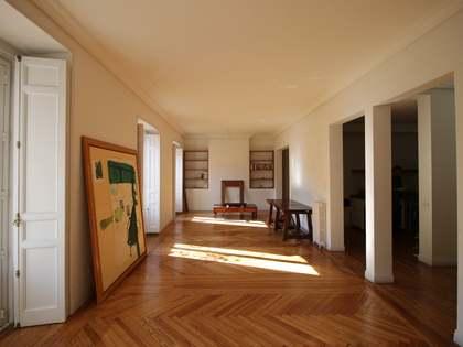 3-bedroom apartment to buy in Madrid's historic neighbourhood