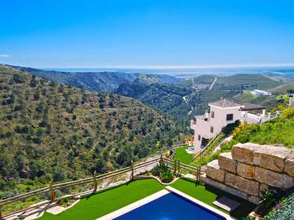 3-bedroom villa for sale in Benahavis Hills Country Club