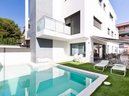 602m² House / Villa for sale in Bellamar, Barcelona