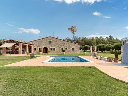 670 m² equestrian property for sale in Girona