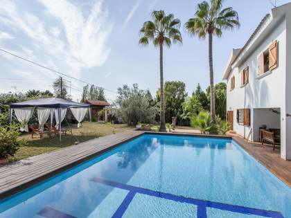 350m² House / Villa for rent in Bétera, Valencia