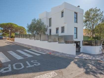 Casa de 4 dormitorios con piscina en Sant Feliu de Guíxols