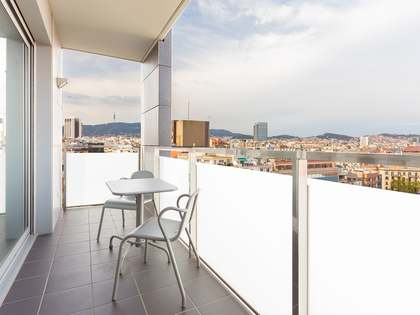 74 m² apartment with 6 m² terrace for sale in Eixample Left