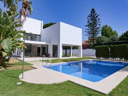 Casa / Vil·la de 400m² en venda a San Pedro de Alcántara / Guadalmina