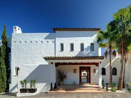 Maison / Villa de 1,070m² a vendre à Nueva Andalucía avec 2,850m² de jardin