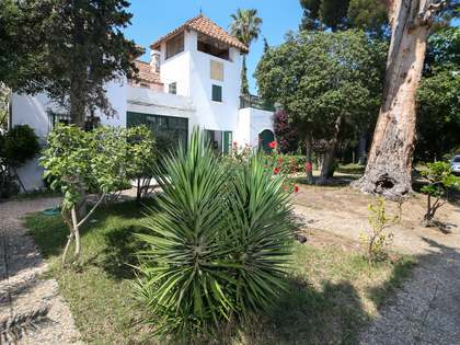 450m² House / Villa with 1,102m² garden for sale in Caldes d'Estrac