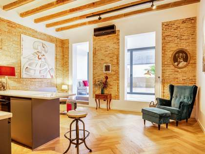 68 m² apartment with terrace for sale in Eixample Left