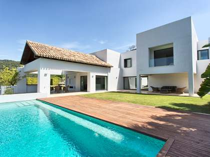 412m² villa with 1,200m² garden for sale in Benahavís