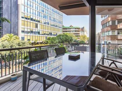 150 m² apartment with a terrace for sale in Sant Gervasi