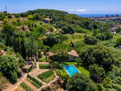 610m² Haus / Villa zum Verkauf in Tiana, Barcelona