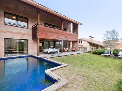 Casa / Vil·la de 540m² en venda a Sant Cugat, Barcelona