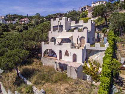 258m² house for sale in Alella, Maresme