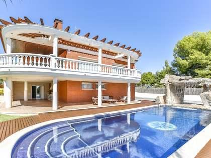 689m² House / Villa for sale in Calafell, Tarragona