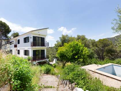 305m² House / Villa for sale in Bellamar, Barcelona