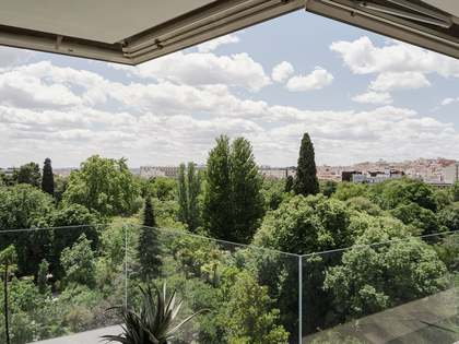 520m² Apartment with 51m² terrace for sale in Jerónimos