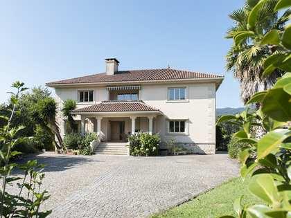 Huis / Villa van 320m² te koop in Pontevedra, Galicia
