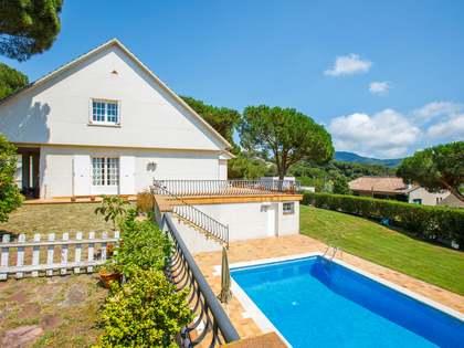Дом / Вилла 457m² на продажу в Вальроманес, Барселона