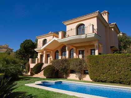 casa en venta en parcela enorme en La Zagaleta, Marbella