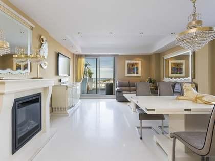 Ático de 130 m² con 80 m² de terraza en venta en Els Cards
