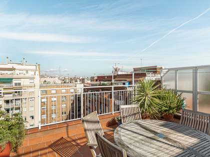 82m² Penthouse with 42m² terrace for sale in Gràcia