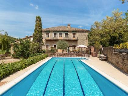 在 La Garrotxa, 赫罗纳 1,580m² 出售 豪宅/别墅