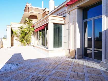 Duplex penthouse with pool for sale on Paseo Alameda