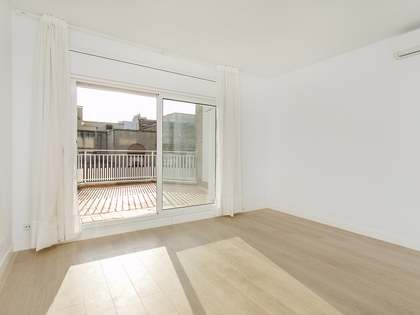 50 m² apartment with 15 m² terrace for rent in Sarrià