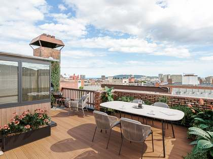 341m² Penthouse with 176m² terrace for sale in Turó Park