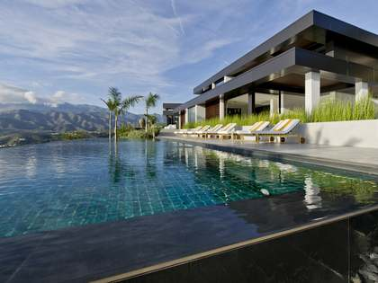 Huis / Villa van 400m² te koop in Axarquia, Malaga