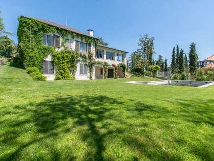 Maison / Villa de 1,188m² a vendre à Pozuelo, Madrid