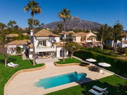 Casa / Vil·la de 305m² en venda a Nueva Andalucía