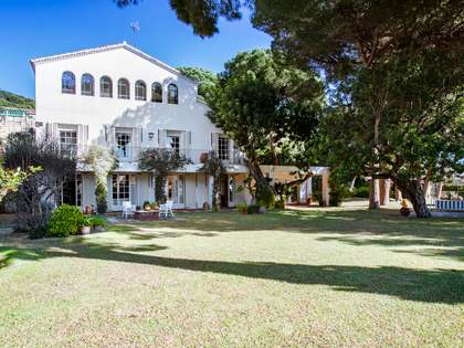 450m² House / Villa for sale in Premià de Dalt, Maresme