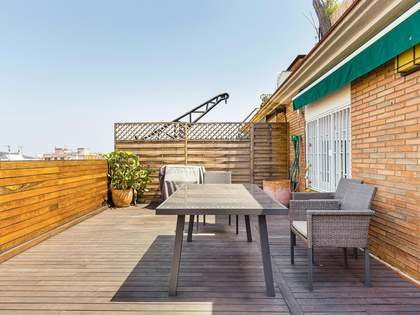 83m² Penthouse with 33m² terrace for sale in Eixample Left