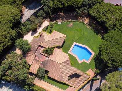 huis / villa van 344m² te huur met 2,200m² Tuin in Sant Andreu de Llavaneres