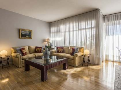211m² Penthouse with 21m² terrace for sale in Almagro