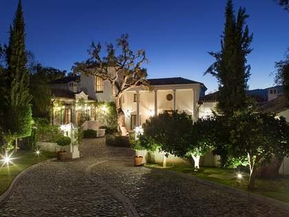 Villa con apartamento en venta en La Zagaleta, Marbella