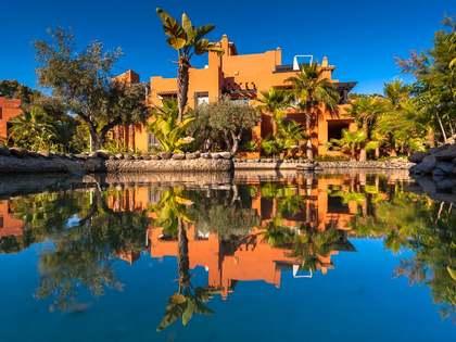 Apartamento de lujo en venta en el valle del golf, Marbella